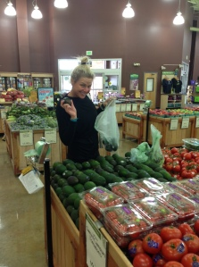 Jen picking out assorted organic produce
